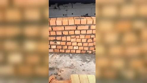 这师傅砌墙是真厉害,工钱我就不给了