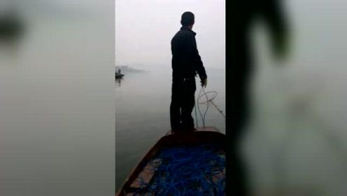 2019进口超声波深水捕鱼器视频