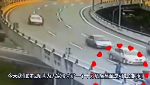 轿车司机下车指挥交通,本以为都会安全通过,哪成想遇到个女司机