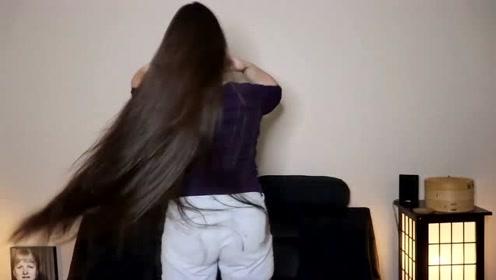 女神长发发质好,轻轻甩起来,又轻盈又飘逸