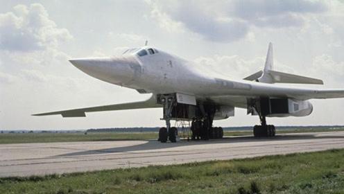 """图-160经过日本海,两架""""肥电""""为其护航,俄军加速日军懵了"""