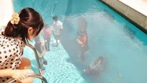 世界最神奇游泳池!游客竟可以在水底走动,甚至衣服还不会湿?