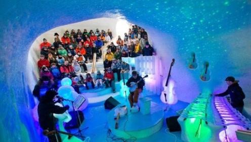 """牛人用冰雕刻16种""""乐器"""",演奏开始瞬间,全场都被惊艳了!"""