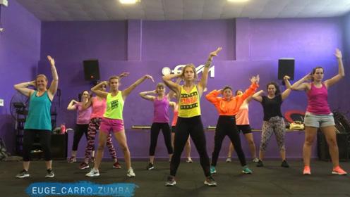 超减脂耗体力,姐妹们都爱这样的尊巴,每天跳一跳热身又减肥!