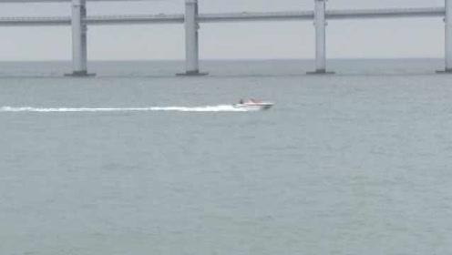 男子海里游泳被游艇削断大腿死亡,驾驶员被判有期徒刑14个月