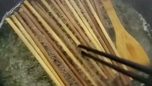 用过一周的筷子必须这样消毒,才能杀死致癌物,黄曲霉菌!