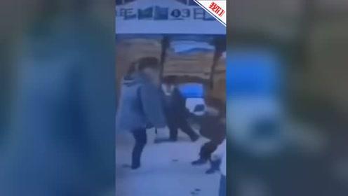 浙江一幼儿园保育员脚踢幼儿下体 教育局:责令辞退 警方已介入