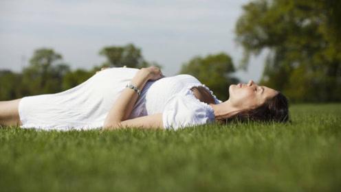 孕期平躺时,胎动频繁是因为胎宝不舒服吗?这些原因孕妈该知道