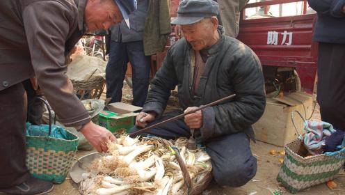 现在天越来越冷了,农村集市上卖的最火的商品都有啥?