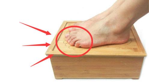 """肝不好""""脚""""先知,脚上有这3种症状,一定是""""肝癌""""给你的""""警告"""""""