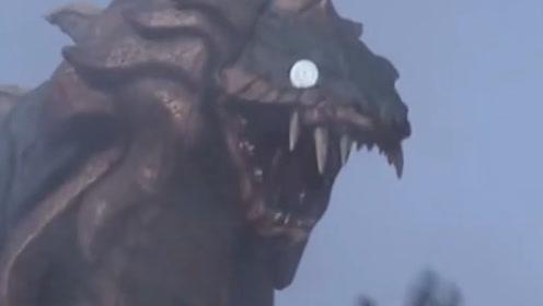 托雷基亚实在太强,手底下的一位怪兽都成为了终极大BOSS,比肩海帕杰顿