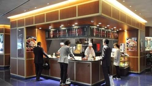 日本这家拉面店有多傲,连张椅子都不给,网友:会更好吃吗?不,会更贵!