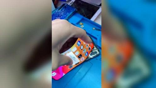 现在手机屏幕为啥越来越贵?把iPhone的屏幕拆开,这下明白了!