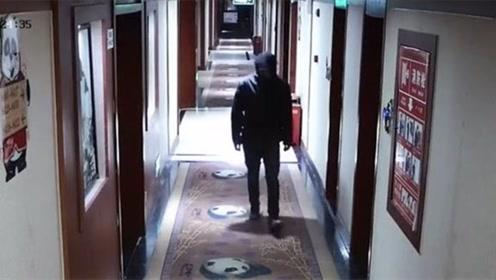 女子奔现见网友遭抢劫 男子逼其脱光上衣后夺门而逃