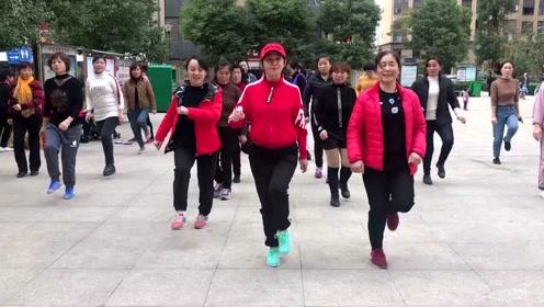 3姐妹广场跳鬼步舞,节奏时尚,3分钟快速暴汗瘦身有效减肥