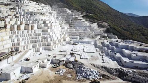 顶级大理石采矿现场,切得跟豆腐块似的,看着都感觉价值不菲