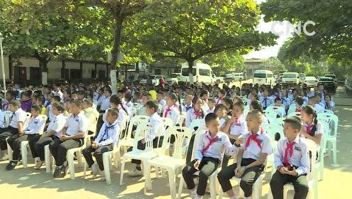 AI合成主播│国际爱心包裹项目在老挝万象举行发放仪式