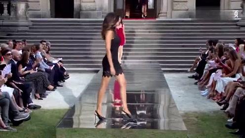 在耀眼的舞台上,美女一身高贵的红色压轴出场,尽显明艳动人!