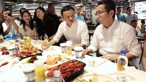 """英国大厨来中国,吐槽中国没有""""高端菜"""",网友:请看马云的餐桌"""