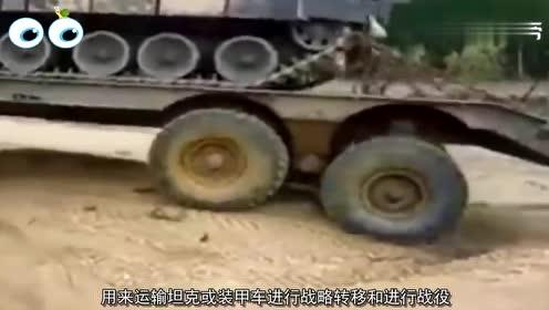 4个巨型的重型越野卡车,俄罗斯的这辆,能轻松爬50度的斜坡