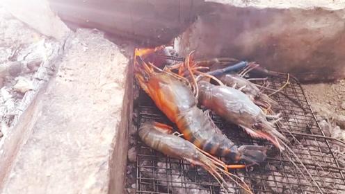 原生椰汁煮虾,边煮边烤,一虾两吃,都很美味!