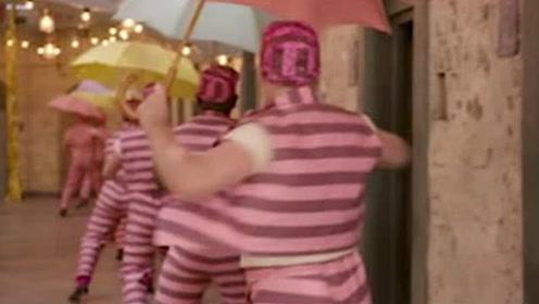 《帕丁顿熊2》另类彩蛋 休·格兰特上演狱中舞蹈秀
