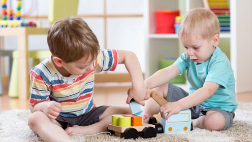孩子玩具被抢没什么反应,这正常吗?