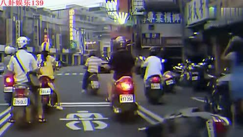 美女等红灯要小心,监控拍下男子龌龊动作