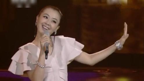 杨梓一首《谁是我的郎》爱情不能用金钱来衡量