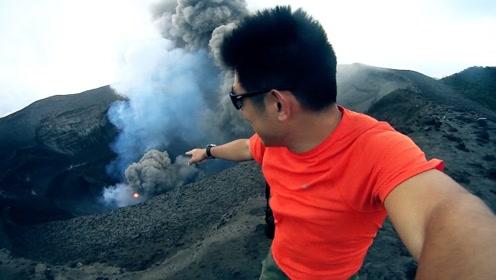 世界上唯一一个喷不停的火山,1分钟内就炸了2次!