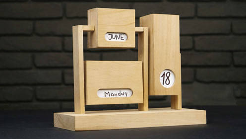 手工创作的木制日历,制作者简直是个天才