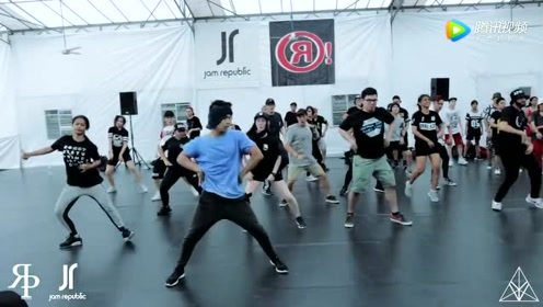 非常壮观的《Yeah!》Usher舞蹈大师课,好想学这支舞!