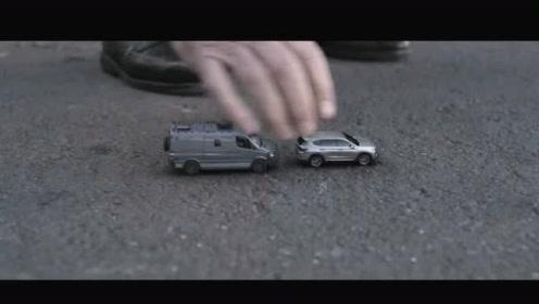 未来量子技术制造的汽车和大楼,瞬间缩小成玩具!