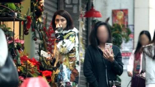独自逛街的洪欣一脸憔悴眼圈黑?确实不及过去有张丹峰陪伴时美