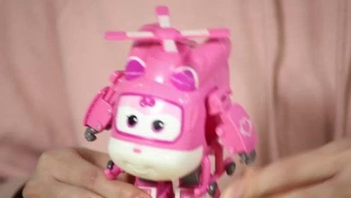 《猫扎特玩具》超级飞侠小爱变形机器人