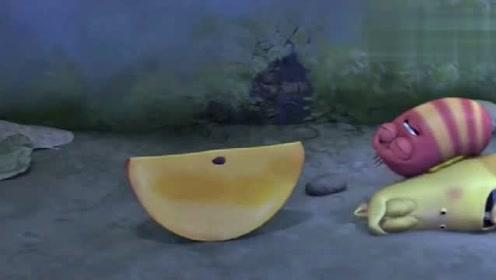 爆笑虫子:小黄和小红被胶水黏住了,真是太好玩了
