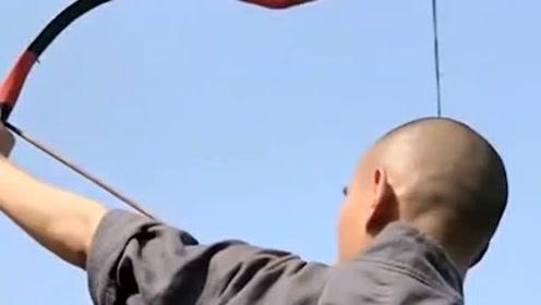 少林武僧施展穿云箭,这功夫堪称独步天下,不愧是少林高手