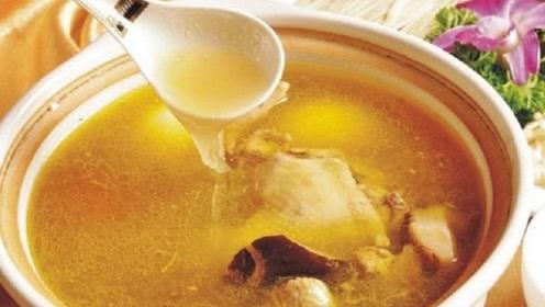 煲了鸡汤去看望病人,营养师提醒:这4种人还是少喝鸡汤
