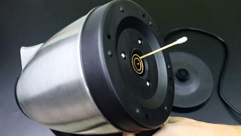 电热水壶插1根棉签,方法简单又实用,告诉家人学学