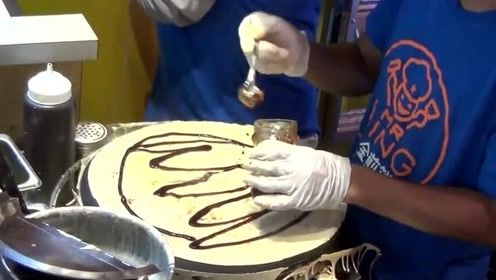 风靡纽约的煎饼果子,这水平在中国得饿死,全靠老干妈注入灵魂!