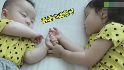 妈妈让小姐姐陪一下弟弟玩,下一秒看到这一幕,妈妈暖化了
