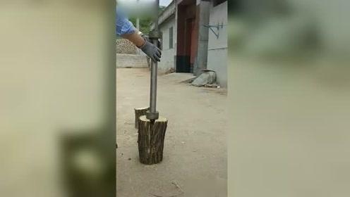 自从家里有了这个劈材神器,在村里的人缘一下子好起来了