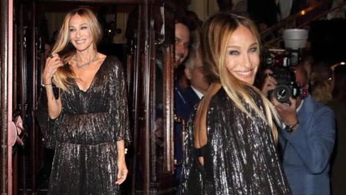 她是纽约最时髦的女人 54岁皱纹遍布却依旧娇艳如花