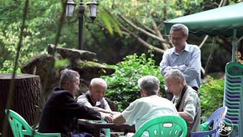 全成都9264家茶馆,每天超10万成都人泡茶馆,原因是什么?
