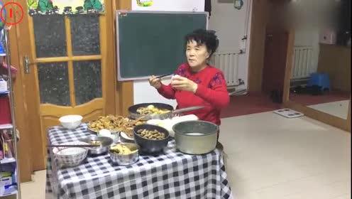 急眼了!东北佳木斯大妈去女儿家吃鹅蛋,女儿却不让吃:太贵