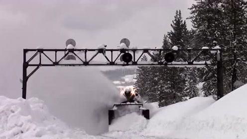国外发明除雪火车,1小时除雪10公里,发明者真是个天才