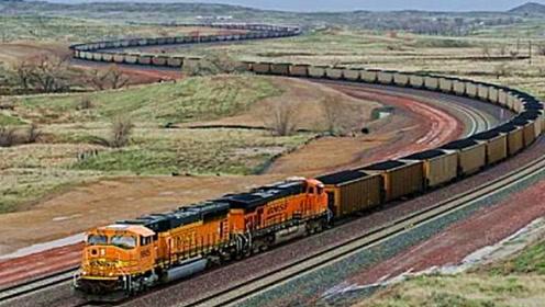 世界最长的火车,7353米总共682节车厢,8个车头才能拖动