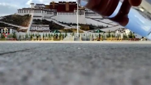 布达拉宫的美并不权限于表面,当水倒下的那一刻,我看呆了!