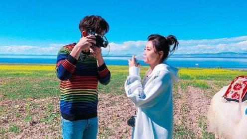 贾静雯晒旅照,扎上丸子头比她小9岁的修杰楷还年轻