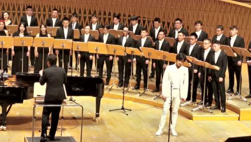 郑云龙和彩虹室内合唱团的合唱,这是什么天籁之音呢!